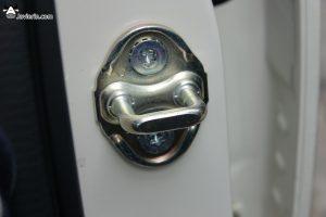 embellecedores cierre Mazda